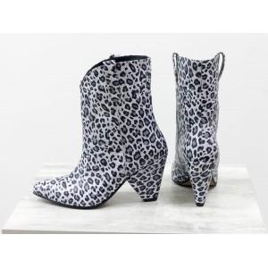 Женские ботинки казаки Gino Figini черно-серый леопард
