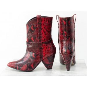 Женские ботинки казаки Gino Figini красная змея