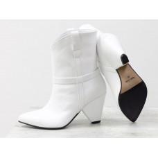 Женские ботинки казаки Gino Figini белые