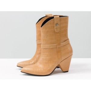 Женские ботинки казаки Gino Figini персиковый крокодил