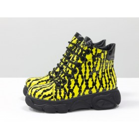 Женские ботинки Gino Figini на утолщенной подошве капли желтые