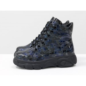 Женские ботинки Gino Figini на утолщенной подошве капли синие