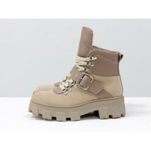 Женские ботинки Gino Figini с высокой шнуровкой и ремешком нюдовые