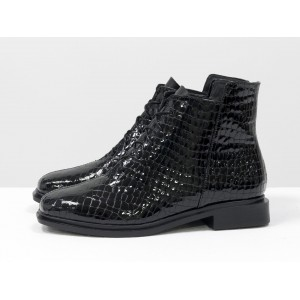 Женские низкие ботинки Gino Figini на плоском каблуке лаковый питон