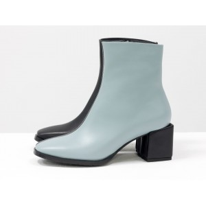Женские ботинки Gino Figini на квадратном каблуке черные с серо-голубым