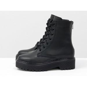 Женские ботинки Gino Figini на высокой подошве черные