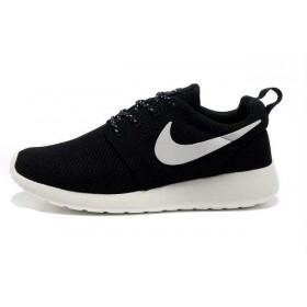 Nike Roshe Run Black White женские кроссовки